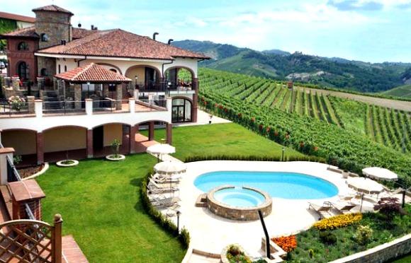 A wine tour in piedmont italy solutioingenieria Choice Image